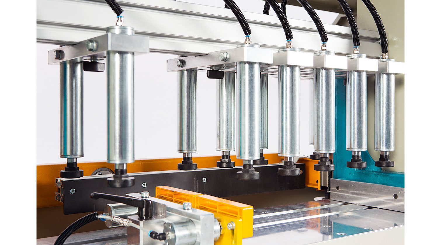 INT aluminum pneumatic end miller Yilmaz MEM 128 clamping system