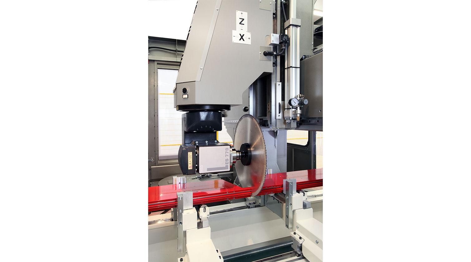INT aluminum CNC Mecal Geos 5 axes blade cutting curtainwalls 1