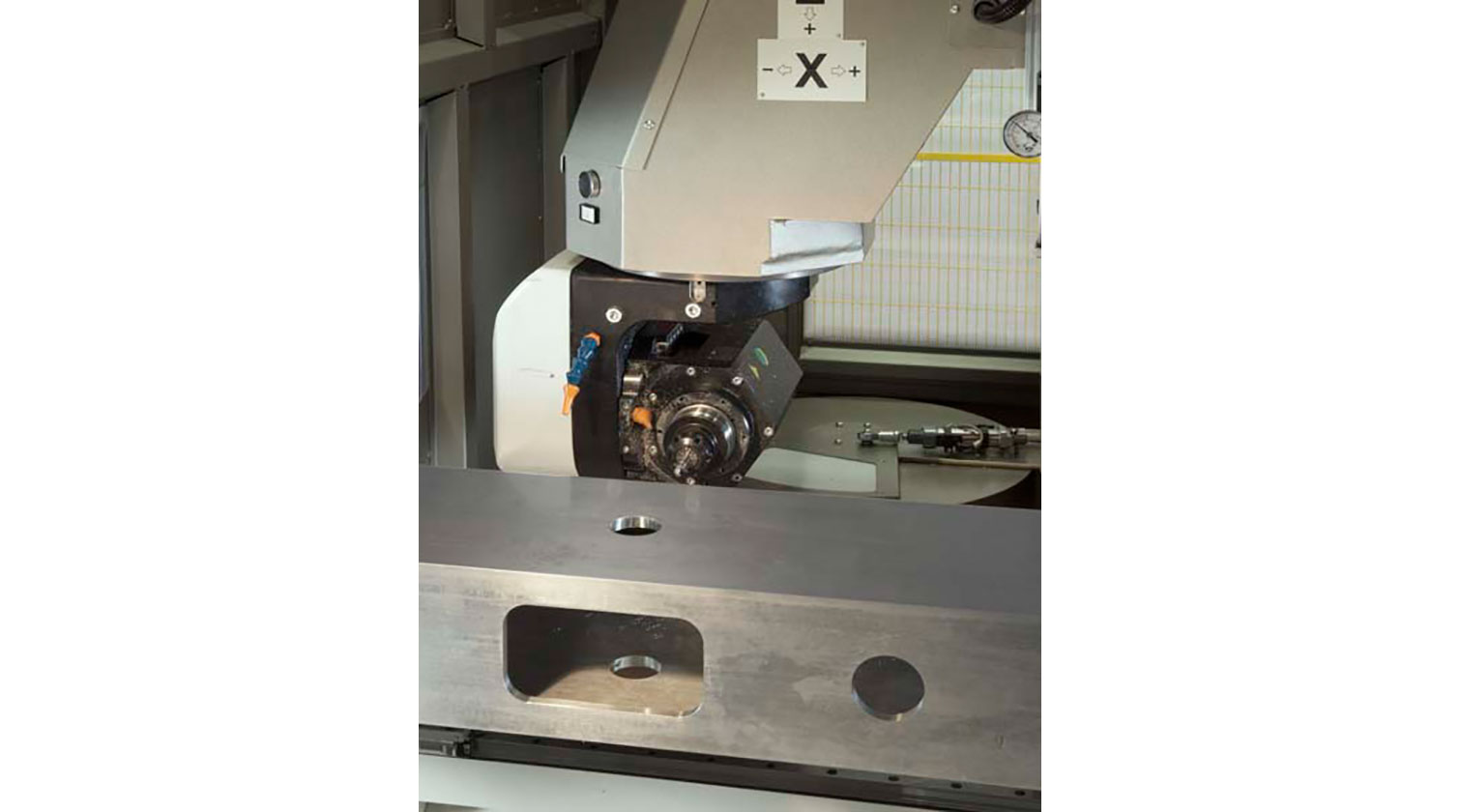 INT aluminum CNC Mecal Geos 5 axes spindle 1 1