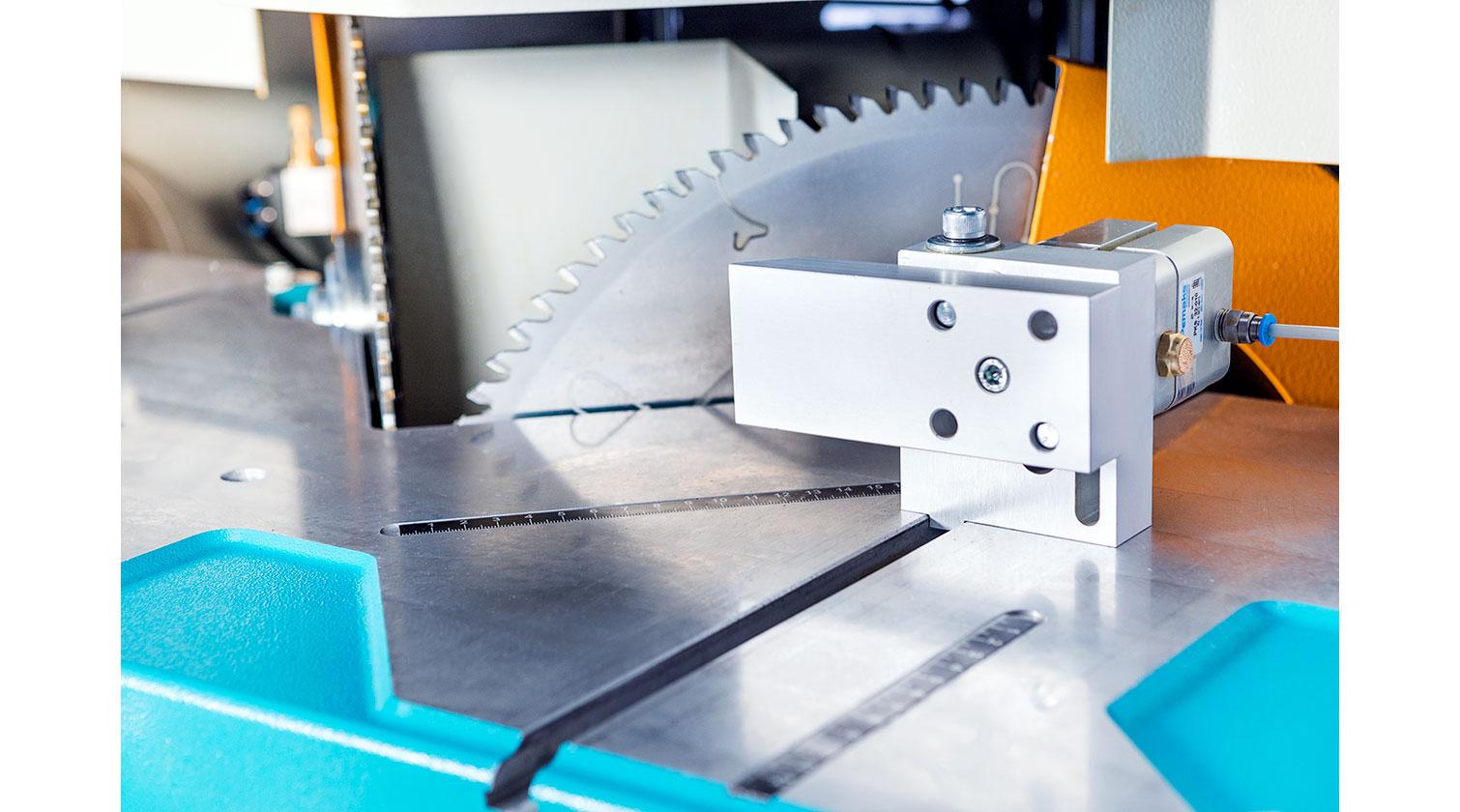 INT aluminum V cut vertical saw Yilmaz VK 420 blades b