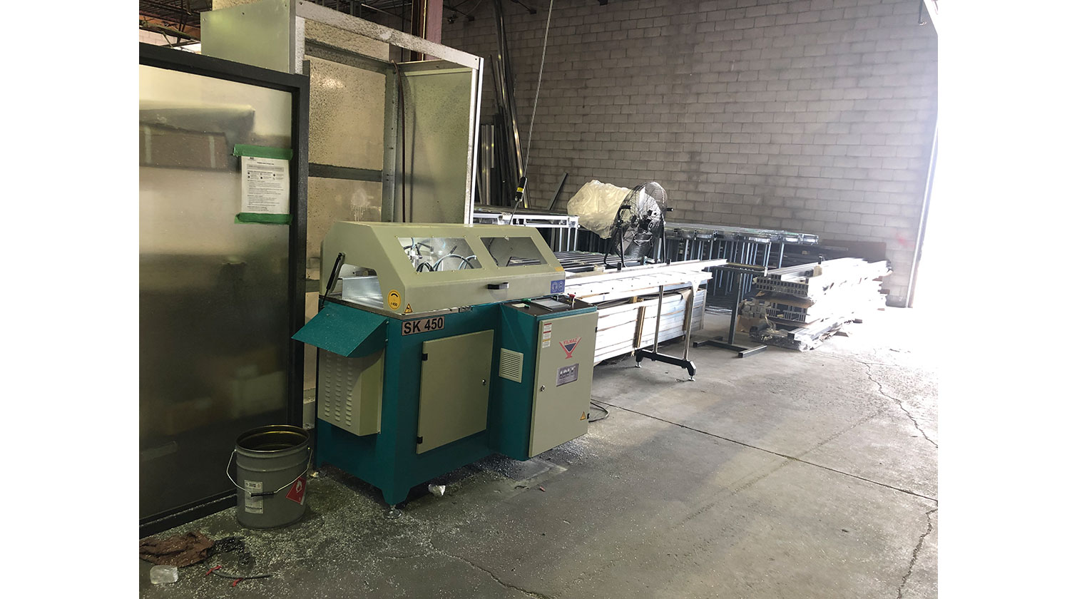 INT aluminum automatic saw Yilmaz SK 450 installation in Vaughan ON