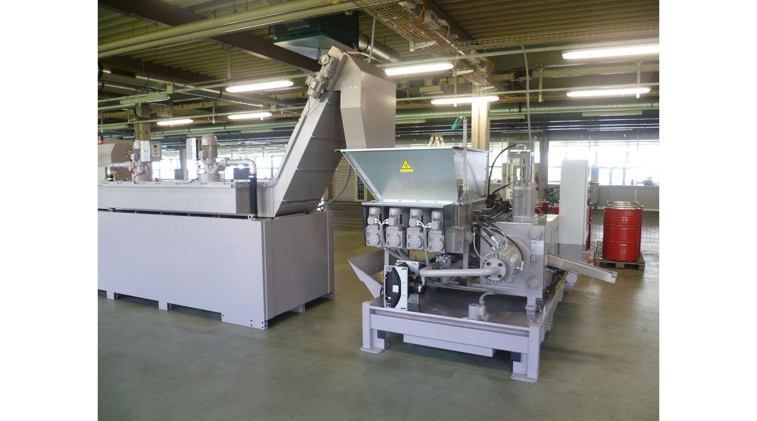 INT aluminum chip compactor Hocker Polytechnik BrikStar MD l