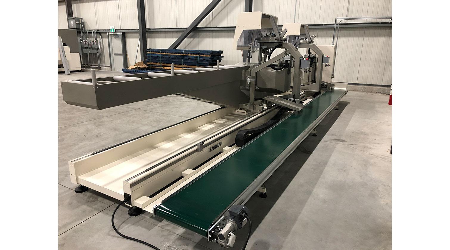 INT aluminum compound double mitre saw Mecal TDC 622 Edgemaster scrap pieces unloading comnveyor