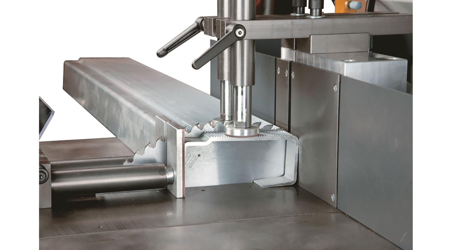 INT aluminum up cut saw Pressta Eisele GS 550 cutting detail