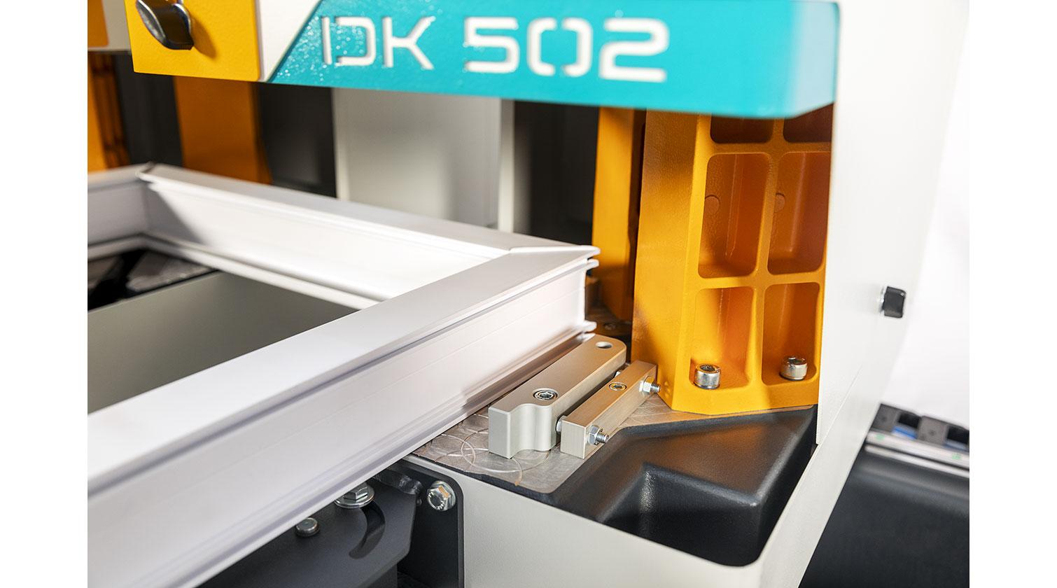 INT pvc windows two point welder Yilmaz DK 502 corner detail