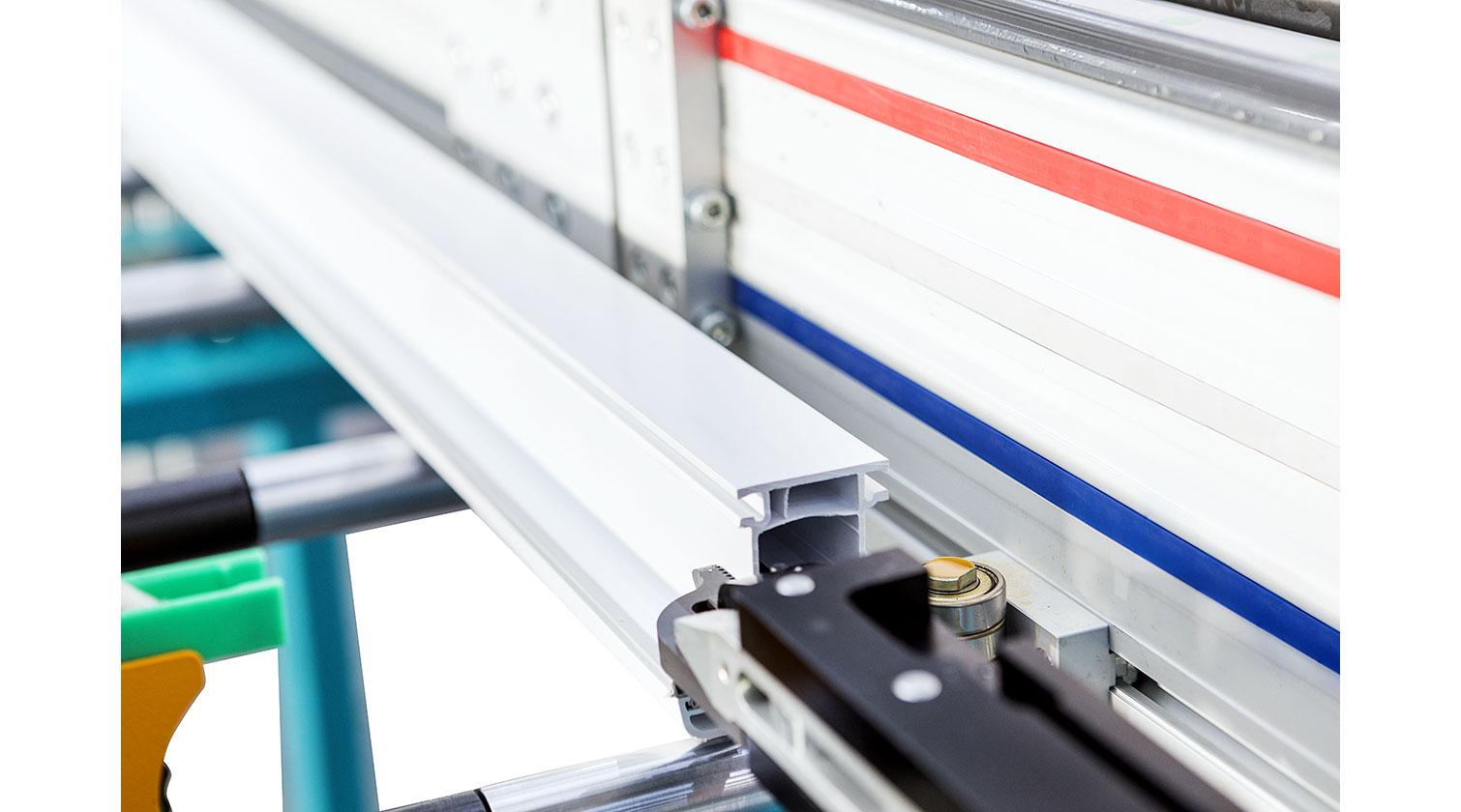 INT PVC window CNC Yilmaz PIM 6508 gripper