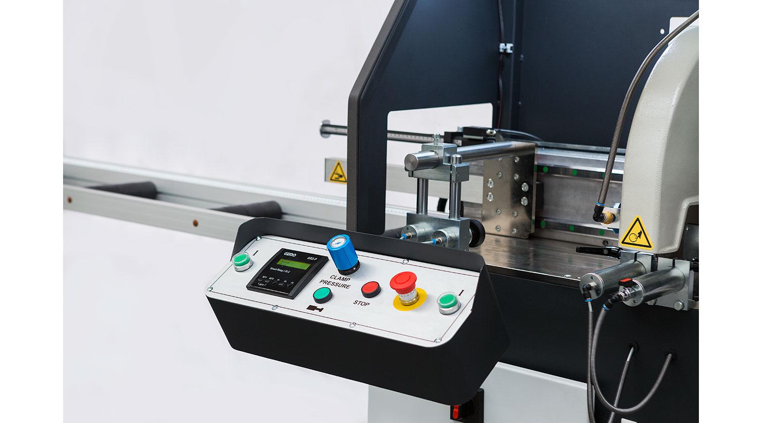 INT aluminum automatic saw Yilmaz SK 400 operator console b
