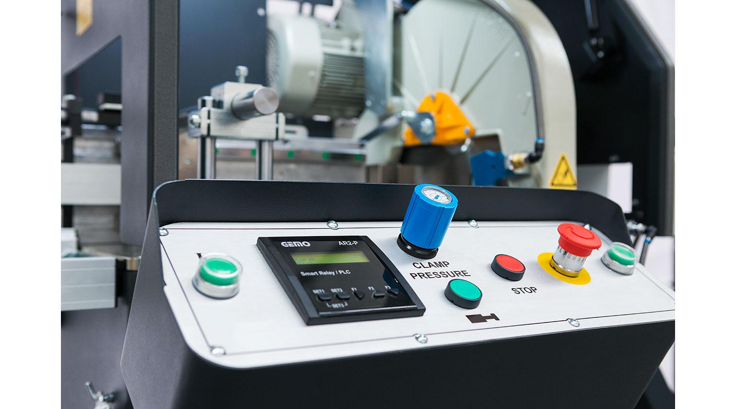 INT aluminum automatic saw Yilmaz SK 400 operator console c