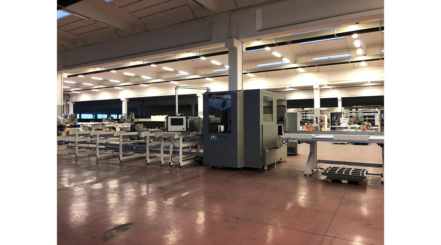 INT aluminum CNC Mecal MC 316 fabrication centre close look f 1