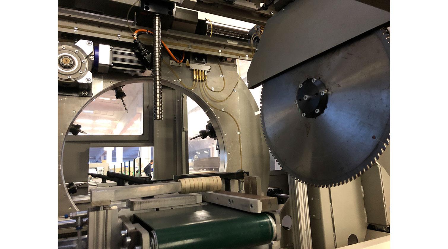 INT aluminum CNC Mecal MC 316 fabrication centre cutting unit 1