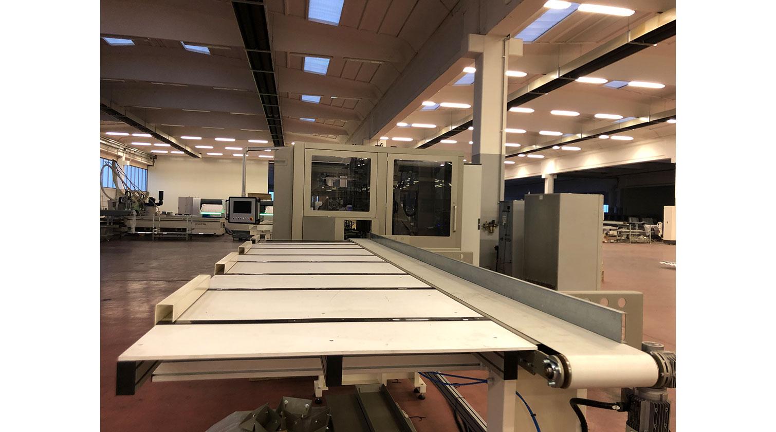 INT aluminum CNC Mecal MC 316 fabrication centre unloading table 1