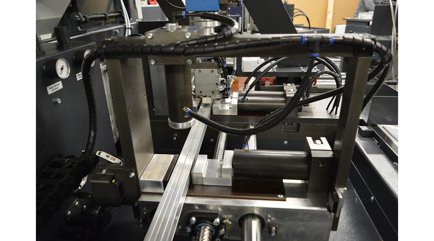 INT aluminum automatic cutting and drilling tapping Pressta Eisele Profilma 501 BG feeding mechanism a
