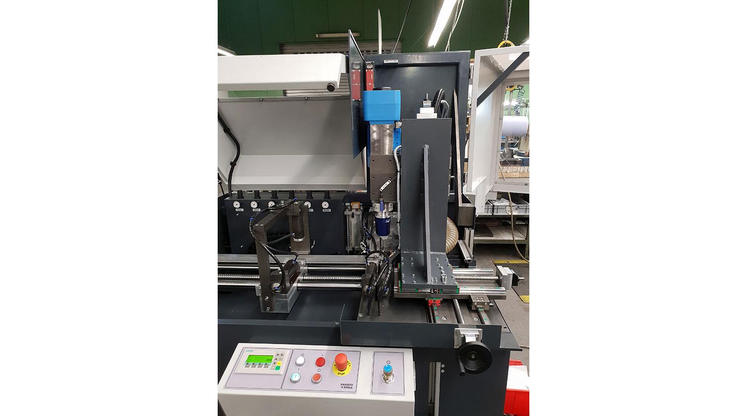 INT aluminum automatic cutting and drilling tapping Pressta Eisele Profilma 501 BG operator interface