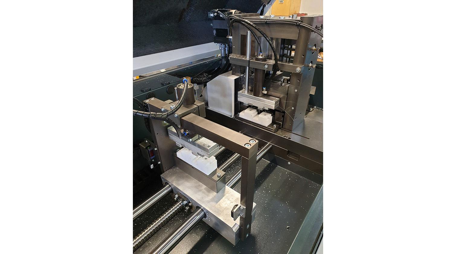 INT aluminum cutting punching centre Pressta Eisele Profilma 501 E ST servo feeder b