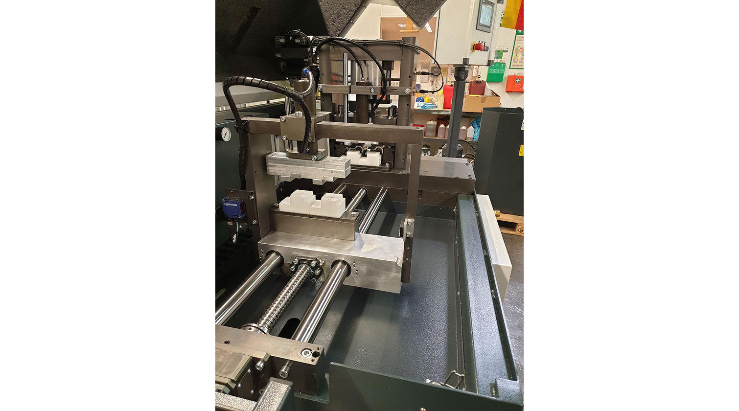 INT aluminum cutting punching centre Pressta Eisele Profilma 501 E ST servo feeder c